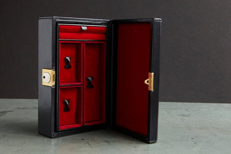 8c8404dd7055 Gucci Black Leather and Red Velvet Jewelry Box For Sale at 1stdibs