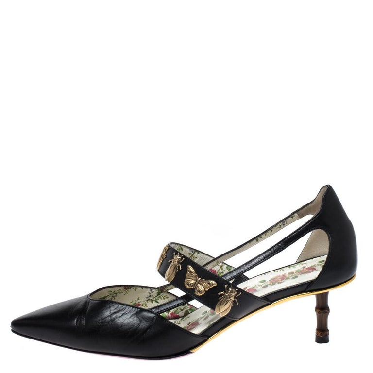 To give you an extraordinary experience, Gucci brings you this pair of pumps that will elongate your feet and give you confidence in every step. They come with pointed toes, bee and butterfly-embellished strap across the vamps and leather insoles.