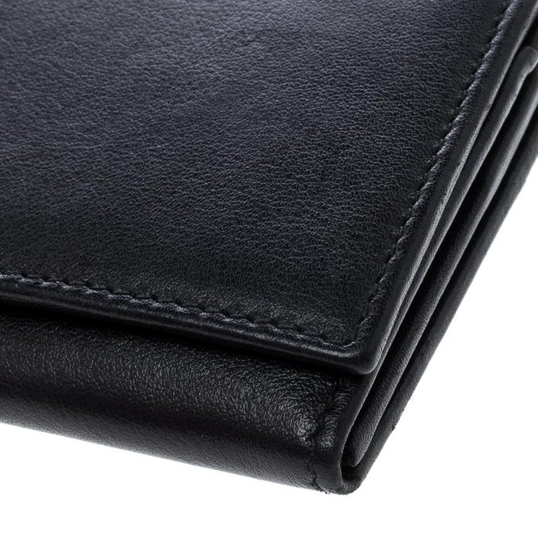b36ab86c57e2 Gucci Black Leather Continental Wallet For Sale at 1stdibs