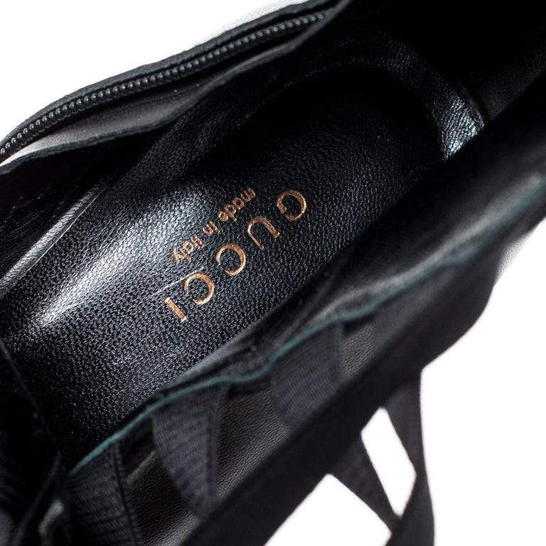 Gucci Black Leather Cut Out Ankle Booties Size 41 For Sale 3
