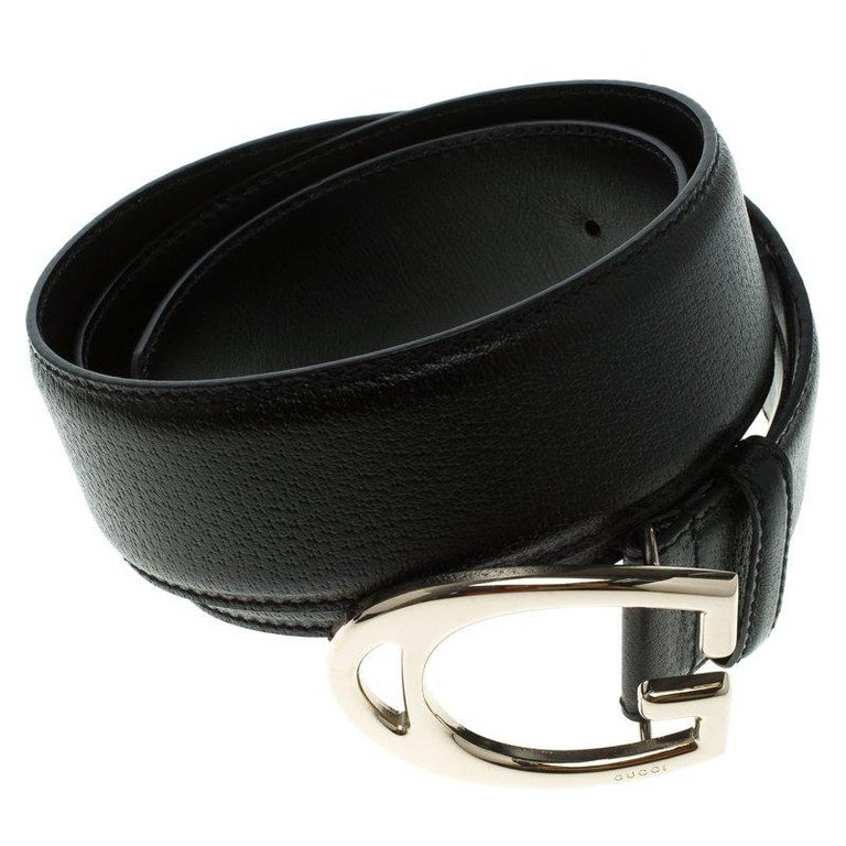 Gucci Black Leather G Buckle Belt 95 CM In Excellent Condition For Sale In Dubai, AE
