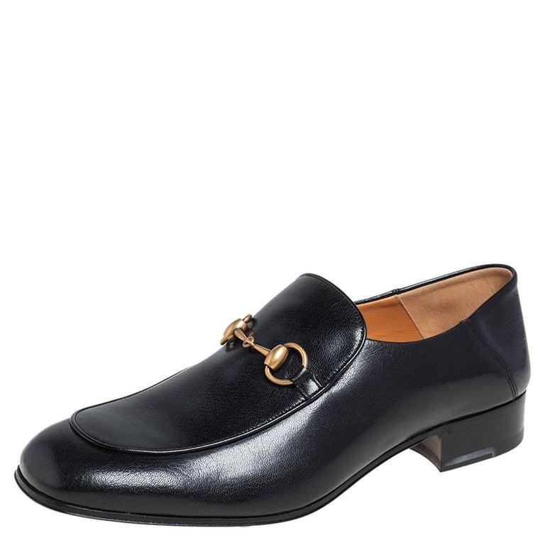 Gucci Black Leather Horsebit Loafers Size 44.5 In New Condition For Sale In Dubai, Al Qouz 2