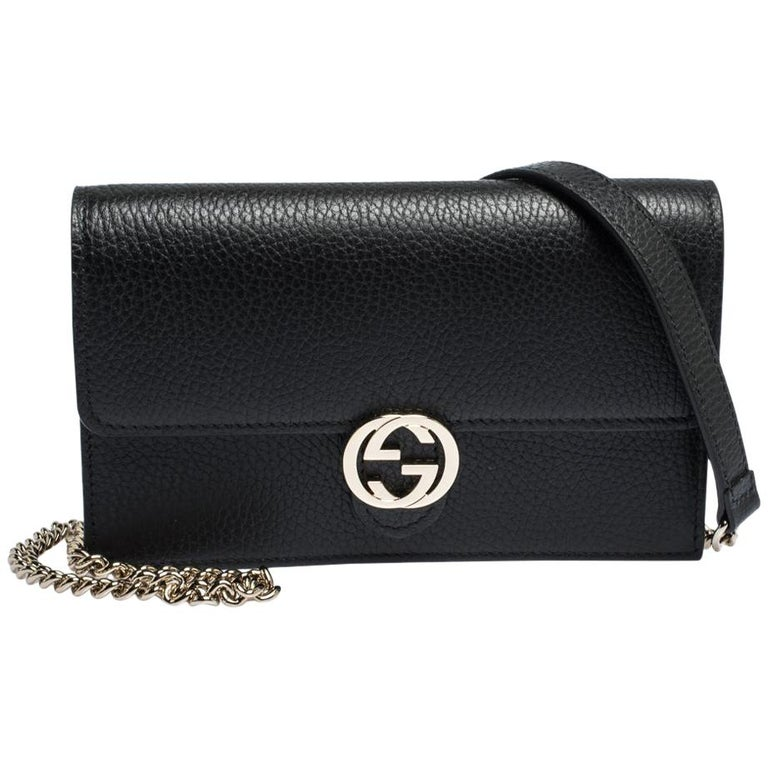 Gucci Black Leather Interlocking GG Wallet On Chain For Sale