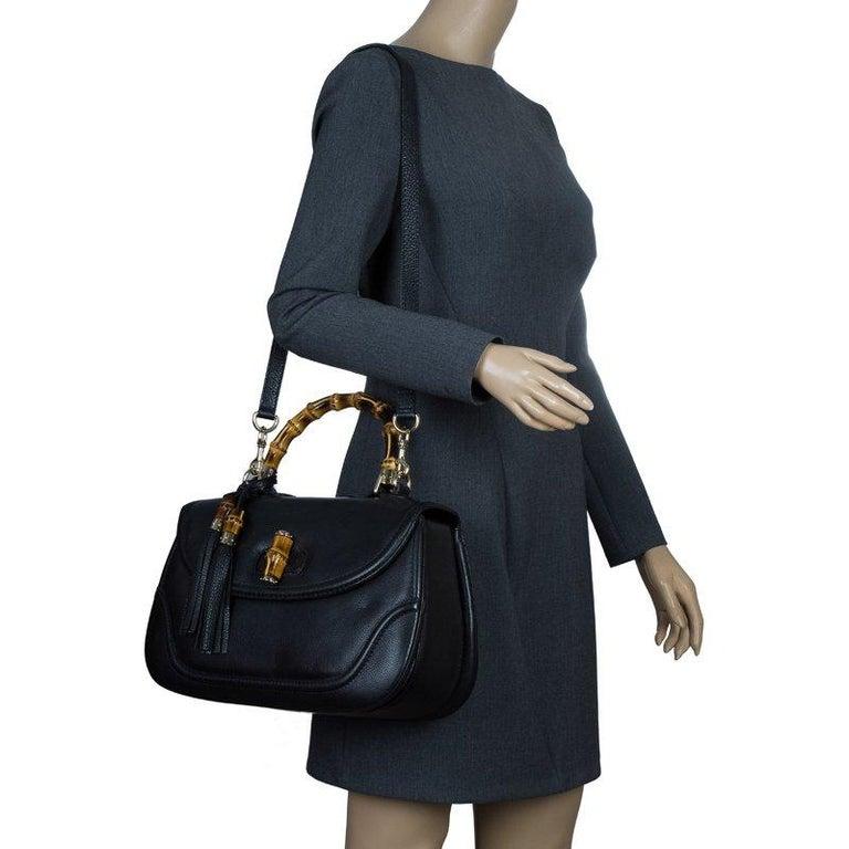 Gucci Black Leather Large New Bamboo Tassel Top Handle bag In Good Condition In Dubai, Al Qouz 2
