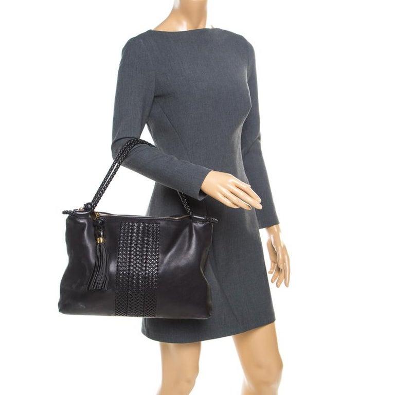 Gucci Black Leather Medium Handmade Shoulder Bag In Good Condition For Sale In Dubai, Al Qouz 2