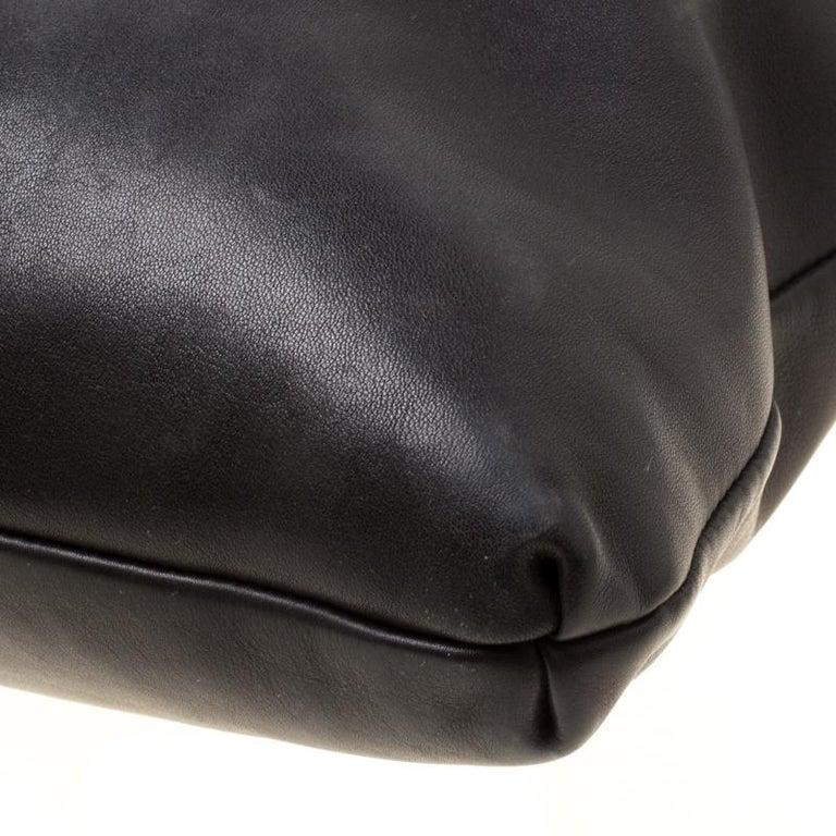Gucci Black Leather Medium Handmade Shoulder Bag For Sale 5
