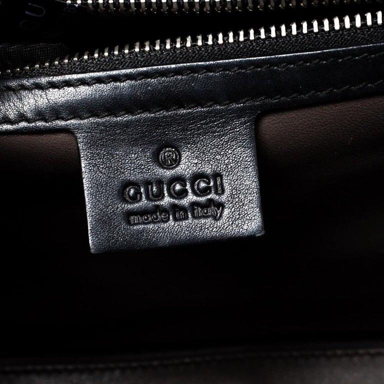 Gucci Black Leather Medium Interlocking GG Shoulder Bag For Sale 9