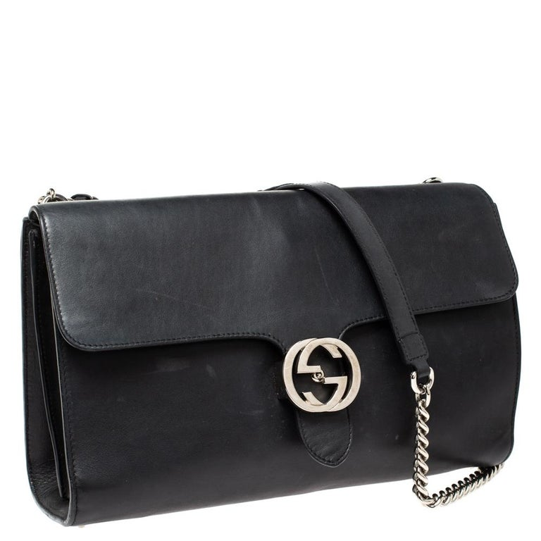Gucci Black Leather Medium Interlocking GG Shoulder Bag In Good Condition For Sale In Dubai, Al Qouz 2