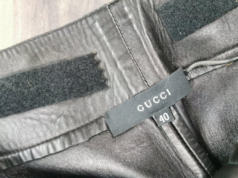gucci black leather pants with mink fur size 40 For Sale 5