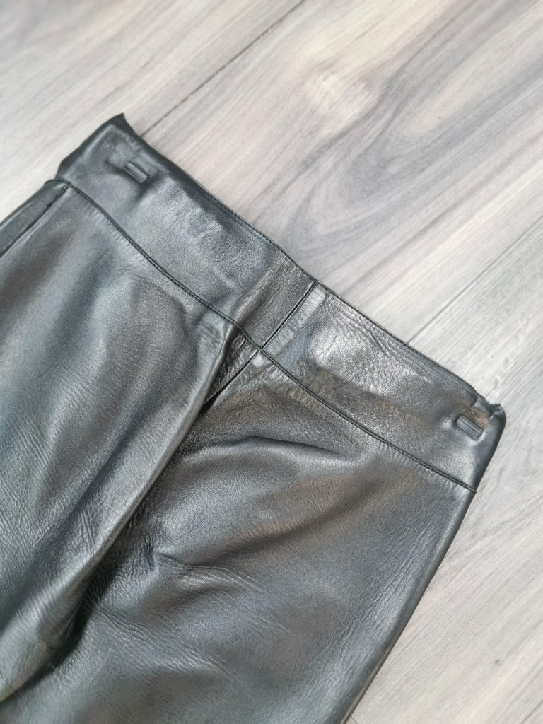gucci black leather pants with mink fur size 40 In Excellent Condition For Sale In Montreal, Quebec