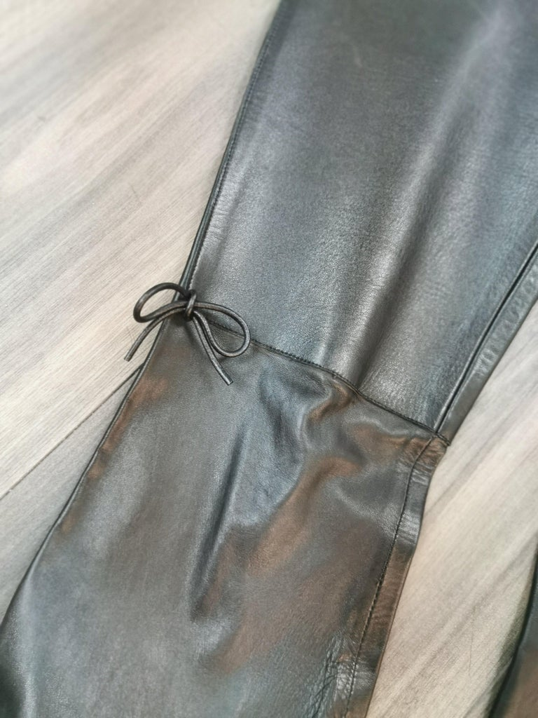 Women's gucci black leather pants with mink fur size 40 For Sale