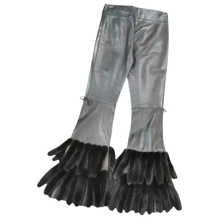 gucci black leather pants with mink fur size 40 For Sale