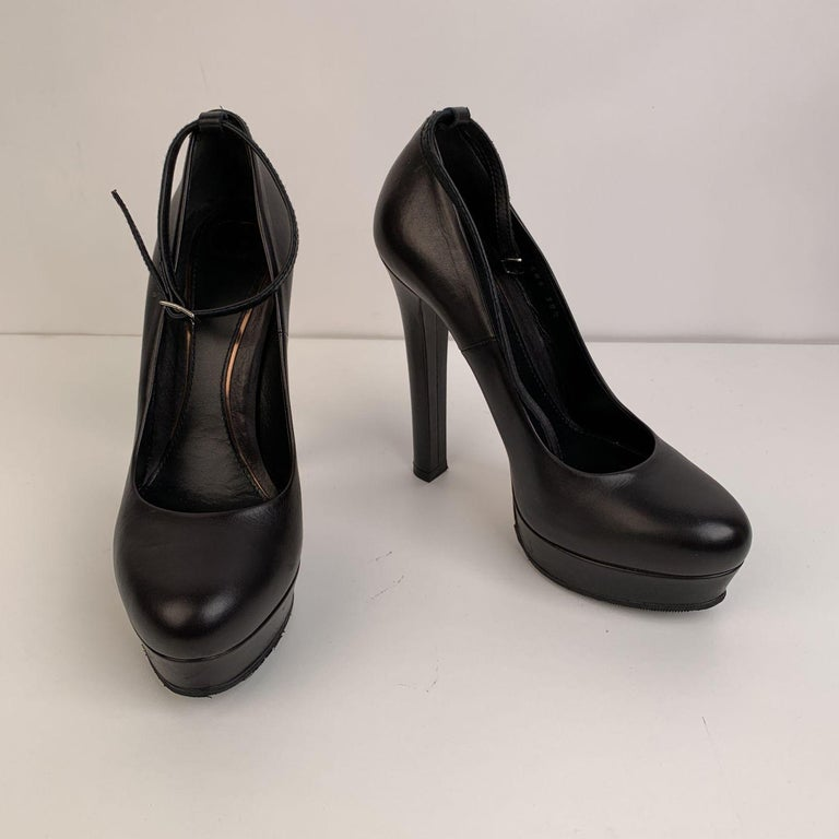 Gucci Black Leather Platform Pumps Heels with Ankle Strap Size 38.5 In Excellent Condition For Sale In Rome, Rome