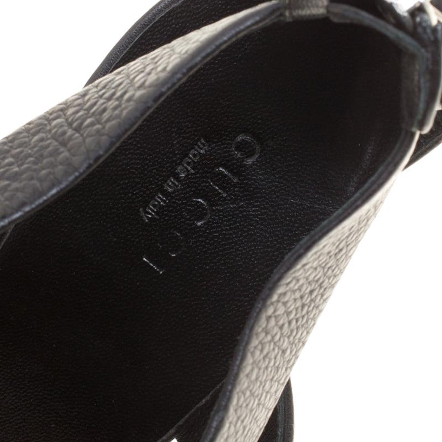 52df07cb5 Gucci Black Leather Sandals Size 39.5 For Sale at 1stdibs