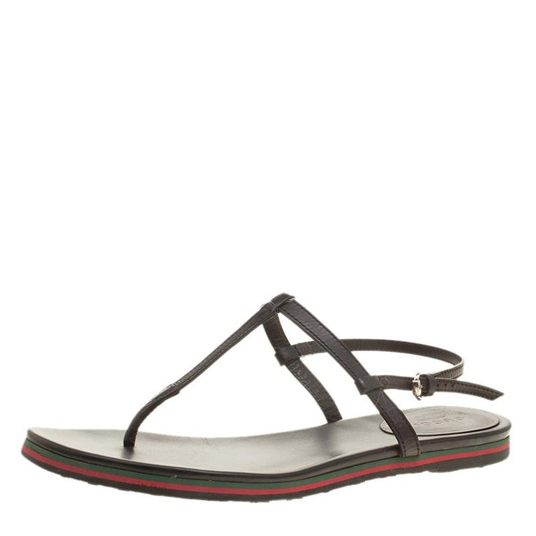 cb7c71cc152c Gucci Black Leather Thong Flat Sandals Size 38 For Sale at 1stdibs