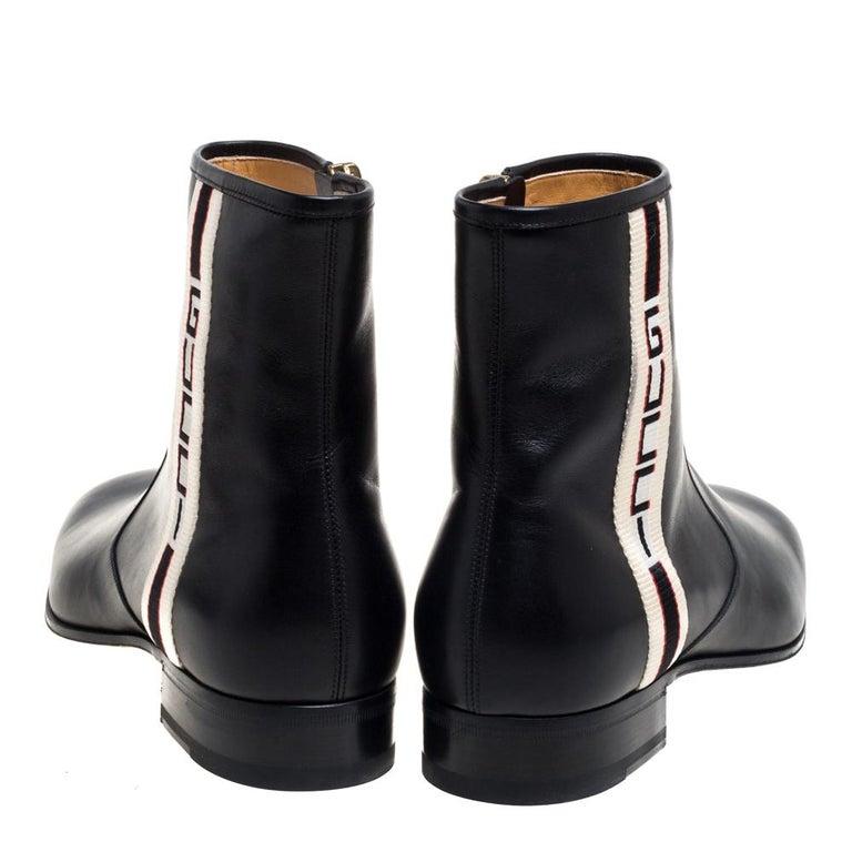 Gucci Black Leather Zipper Detail Boots Size 41 In Good Condition For Sale In Dubai, Al Qouz 2