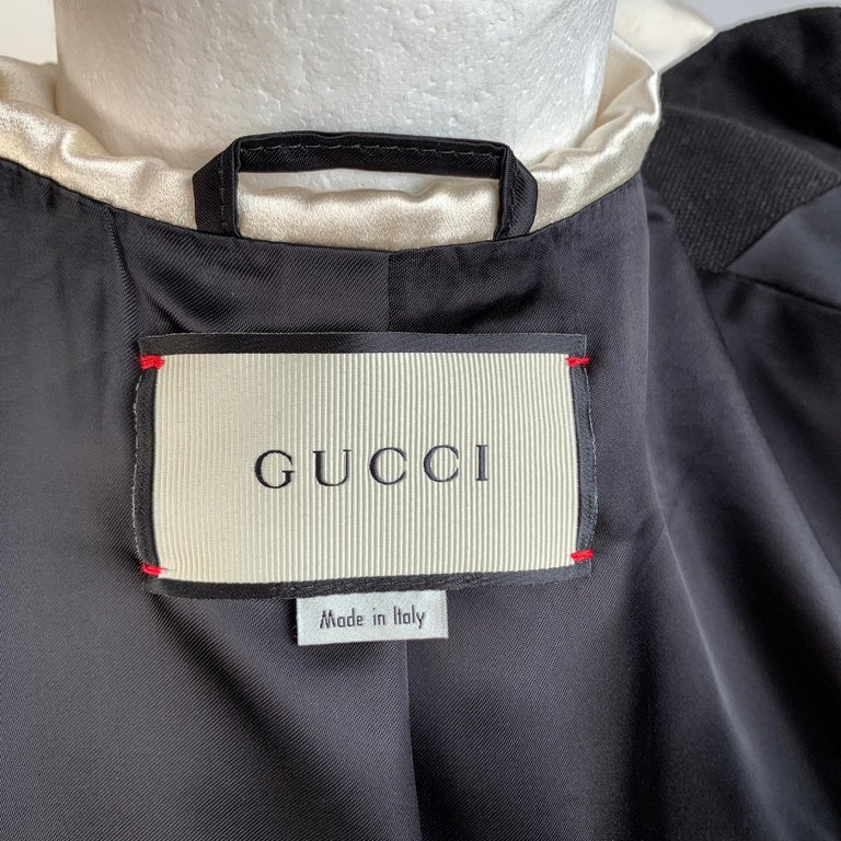 Gucci Black Linen Jacket with Contrast Silk Collar Size 42 For Sale 6