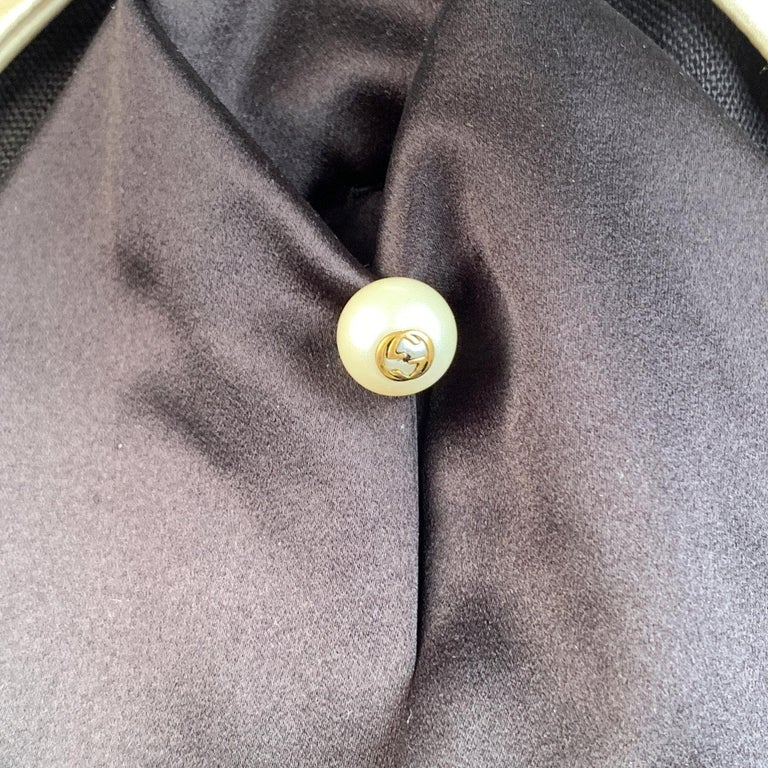 Gucci Black Linen Jacket with Contrast Silk Collar Size 42 For Sale 1
