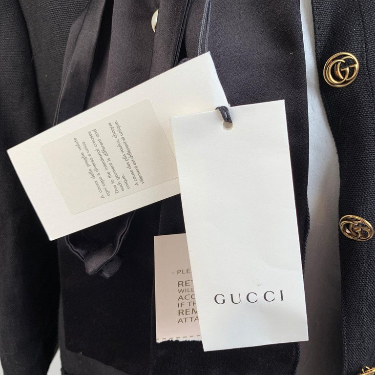 Gucci Black Linen Jacket with Contrast Silk Collar Size 42 For Sale 5
