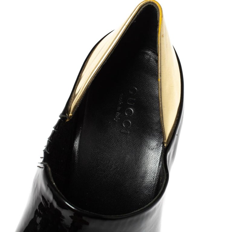 Gucci Black/Metallic Gold Patent Leather Peep Toe Booties Size 40 For Sale 2