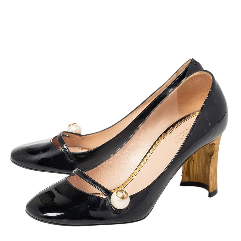 Gucci Black Patent Leather Arille Pearl Pumps Size 37 For Sale 3