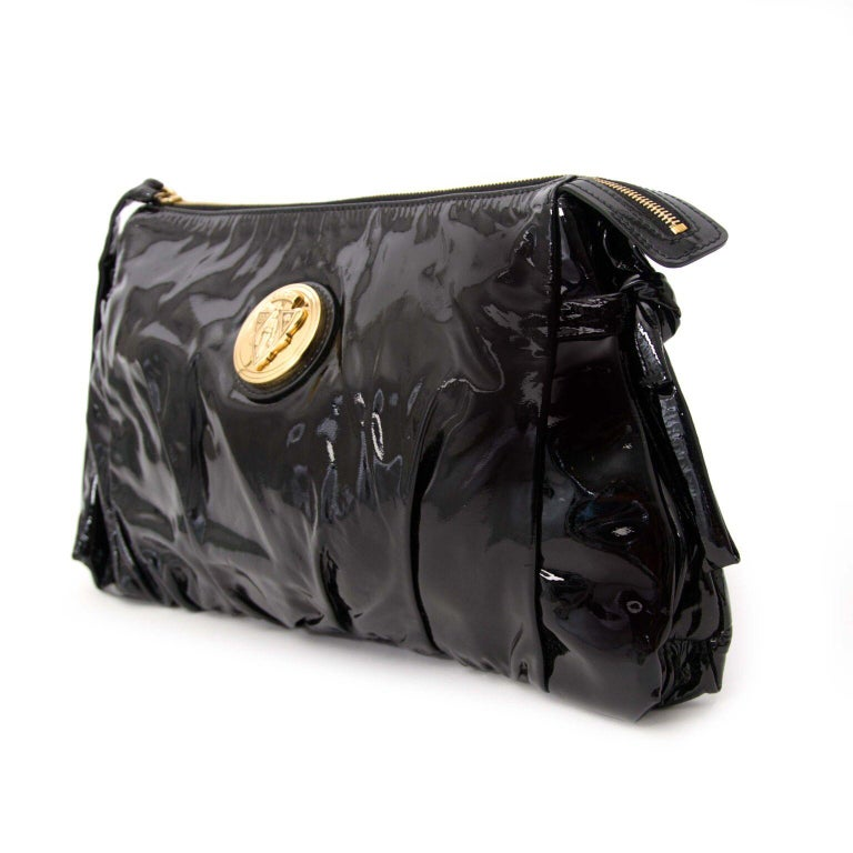 Gucci Black Patent Leather Clutch  In Excellent Condition For Sale In Antwerp, BE