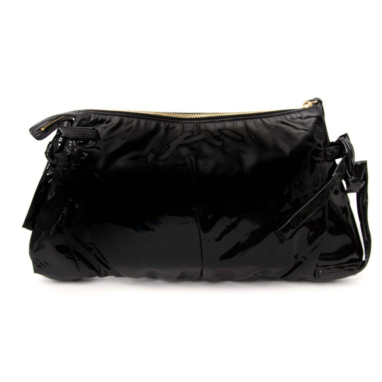 Women's Gucci Black Patent Leather Clutch  For Sale