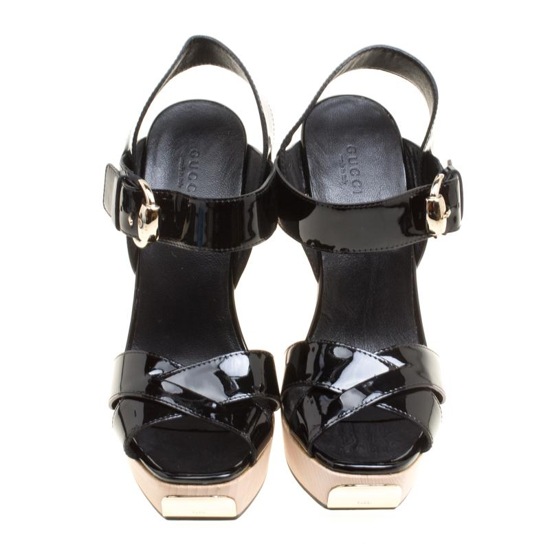 59312be10ea3 Gucci Black Patent Leather Criss Cross Ankle Strap Sandals Size 38.5 at  1stdibs
