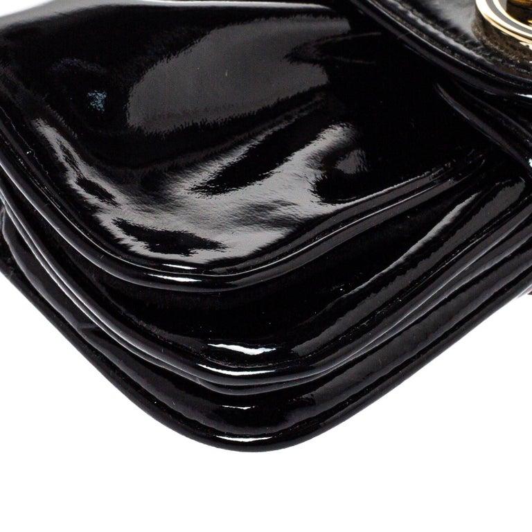 Gucci Black Patent Leather Hysteria Clutch For Sale 7