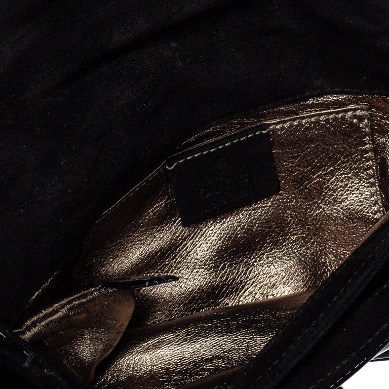 Gucci Black Patent Leather Hysteria Clutch For Sale 1