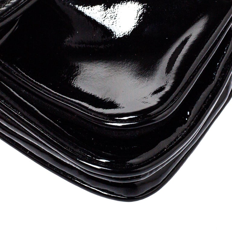 Gucci Black Patent Leather Hysteria Clutch For Sale 3