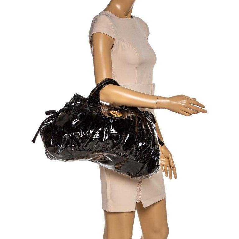 Gucci Black Patent Leather Large Hysteria Tote In Good Condition For Sale In Dubai, Al Qouz 2