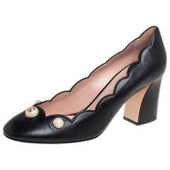 Gucci Black Scalloped Leather Willow Pearl Embellished Block Heel Pumps Size 40