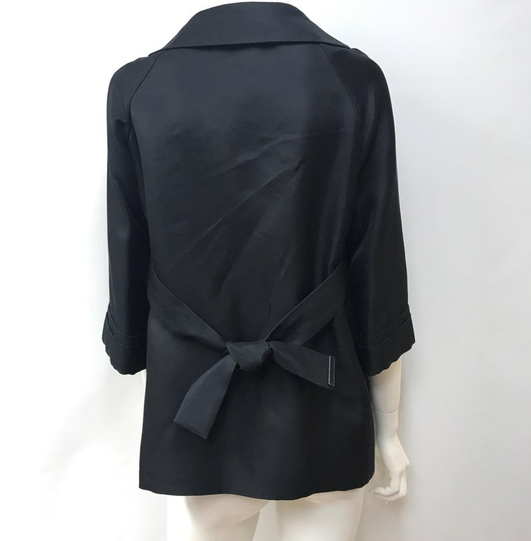 Gucci Black Silk Cape Jacket-42 In Good Condition For Sale In Palm Beach, FL