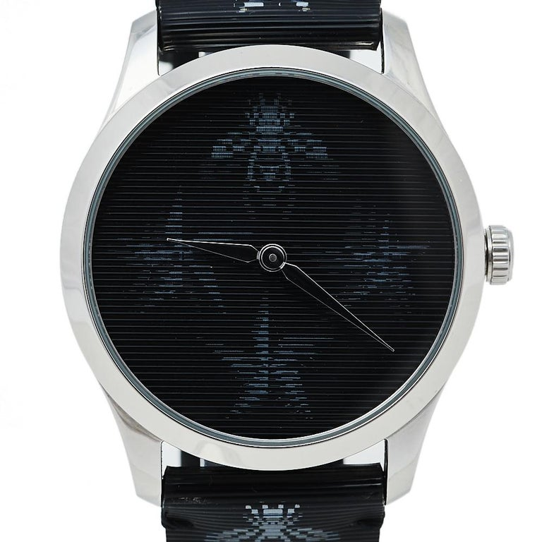 Gucci Black Stainless Steel Bee G-Timeless YA1264105 Women's Wristwatch 38 mm  In Excellent Condition In Dubai, Al Qouz 2