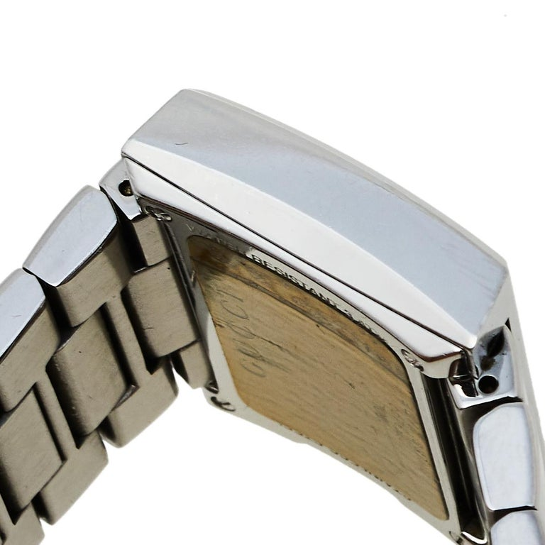 Gucci Black Stainless Steel G-Rectangle 100L Women's Wristwatch 31 mm In Good Condition For Sale In Dubai, Al Qouz 2