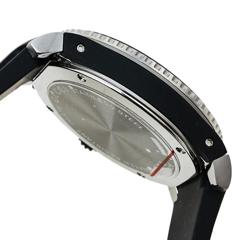 Women's Gucci Black Stainless Steel Tiger Motif Dive YA136318 Men's Wristwatch 40 mm For Sale