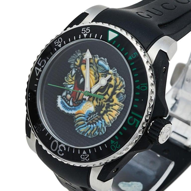 Gucci Black Stainless Steel Tiger Motif Dive YA136318 Men's Wristwatch 40 mm For Sale 1