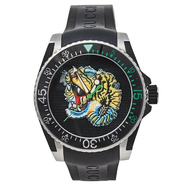 Gucci Black Stainless Steel Tiger Motif Dive YA136318 Men's Wristwatch 40 mm For Sale