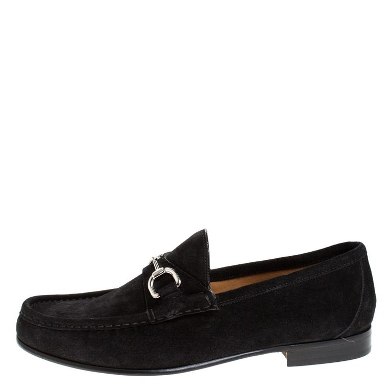 Look sharp and neat with this pair of loafers from Gucci. They have been crafted from suede and designed with the art of fine stitching and Horsebit detailing on the uppers. The pair is complete with comfortable insoles and low