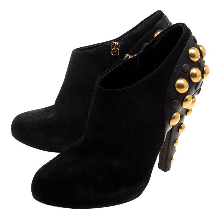 Gucci Black Suede Vintage Babouska Studded Heel Ankle Boots Size 37.5 In Good Condition For Sale In Dubai, Al Qouz 2
