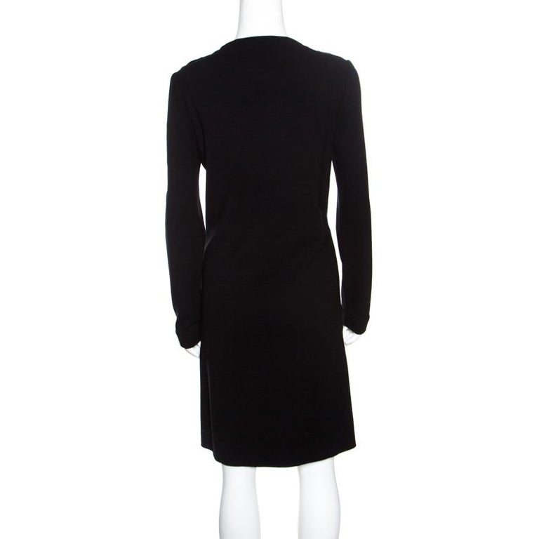 A likeable and svelte piece like this Gucci dress deserves a special place in your wardrobe. This fine piece, crafted from blended fabric would make an apt choice when paired with the right kind of accessories. Flawless and resplendent, you can