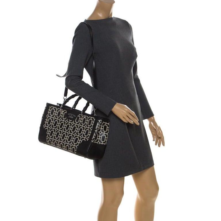 Gucci Black/White Leather Bamboo Top Handle Shopper Tote In Good Condition For Sale In Dubai, Al Qouz 2