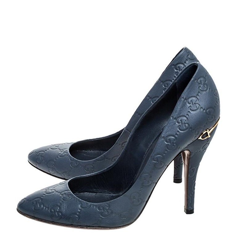 Gucci Blue GG Leather Pumps Size 39 For Sale 2