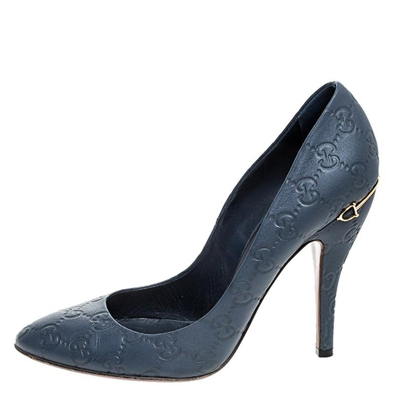 Gucci Blue GG Leather Pumps Size 39 For Sale 3