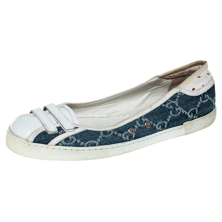 Gucci Blue GG Monogram Denim And White Leather Ballet Flats Size 36.5 For Sale