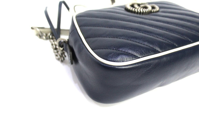Gucci Blue Leather Marmont Camera Bag  In New Condition In Torre Del Greco, IT
