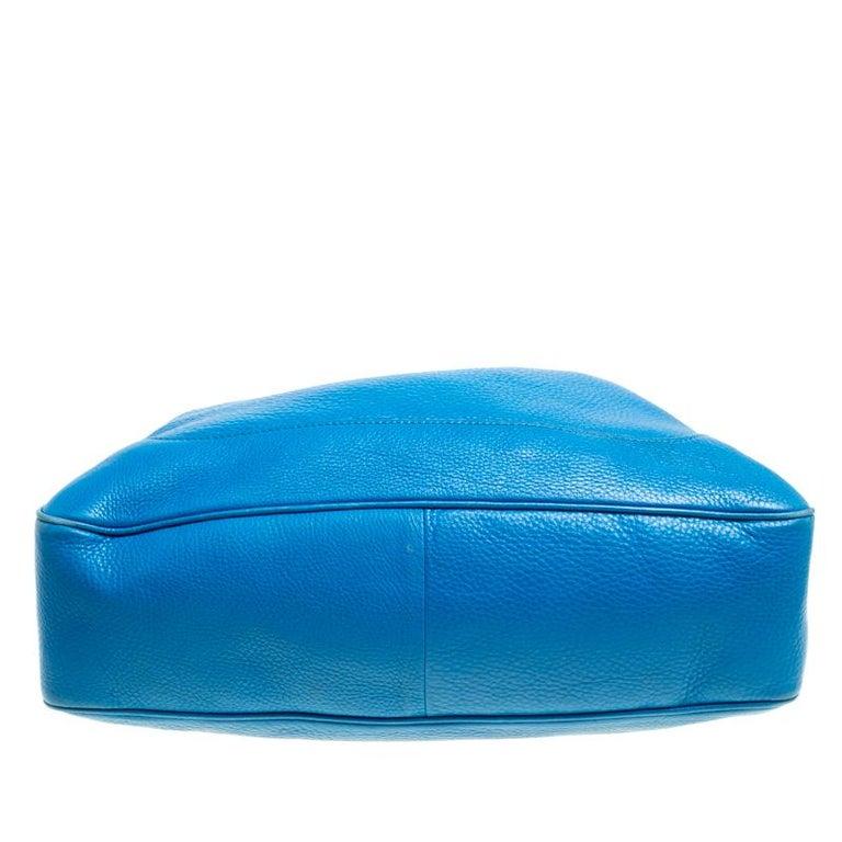 47de43d12 Gucci Blue Leather Medium Diana Bamboo Shoulder Bag For Sale at 1stdibs