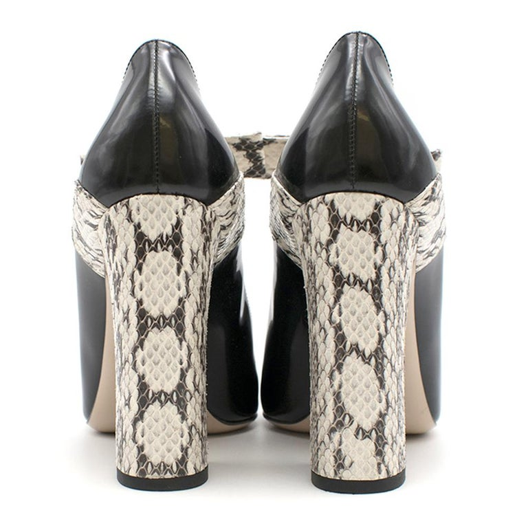 Gucci Bow-Embellished Elaphe & Leather Sandals 36 In Excellent Condition For Sale In London, GB