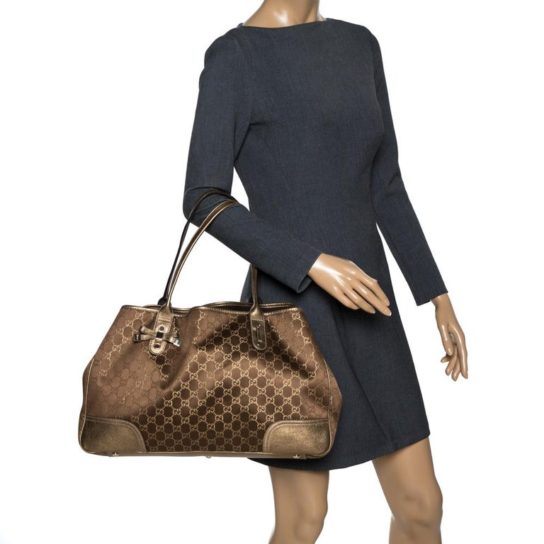 Gucci Brown/Gold GG Fabric and Leather Large Princy Tote In Good Condition For Sale In Dubai, Al Qouz 2